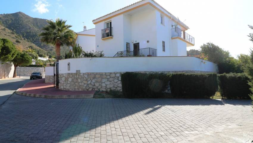 Semi-Detached Villa - videresalg - La Cala de Mijas - Costa del Sol