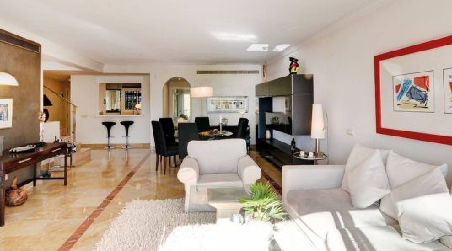 Resale - Apartment - Benahavís - Costa del Sol
