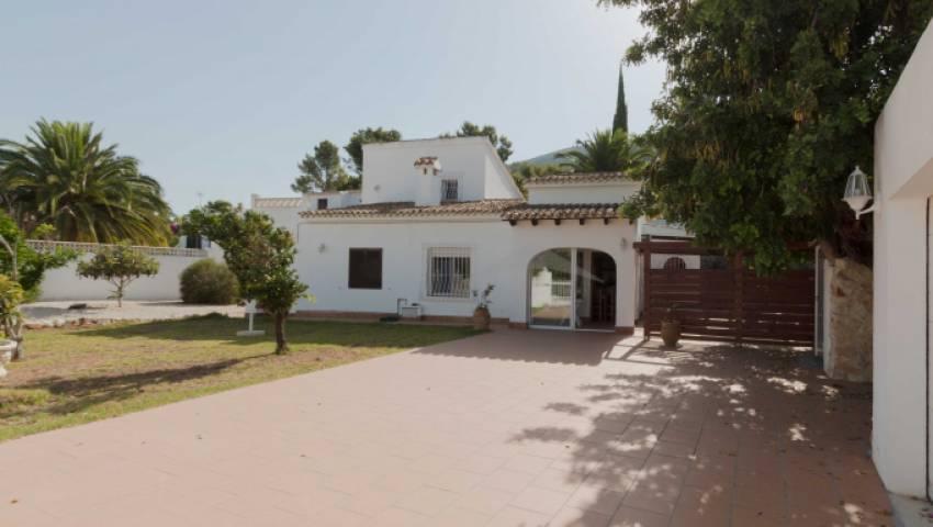 Ref:LQ-13437 Villa For Sale in Benitachell