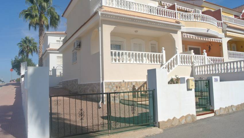 Ref:VB-78080 Townhouse For Sale in Monte Azul