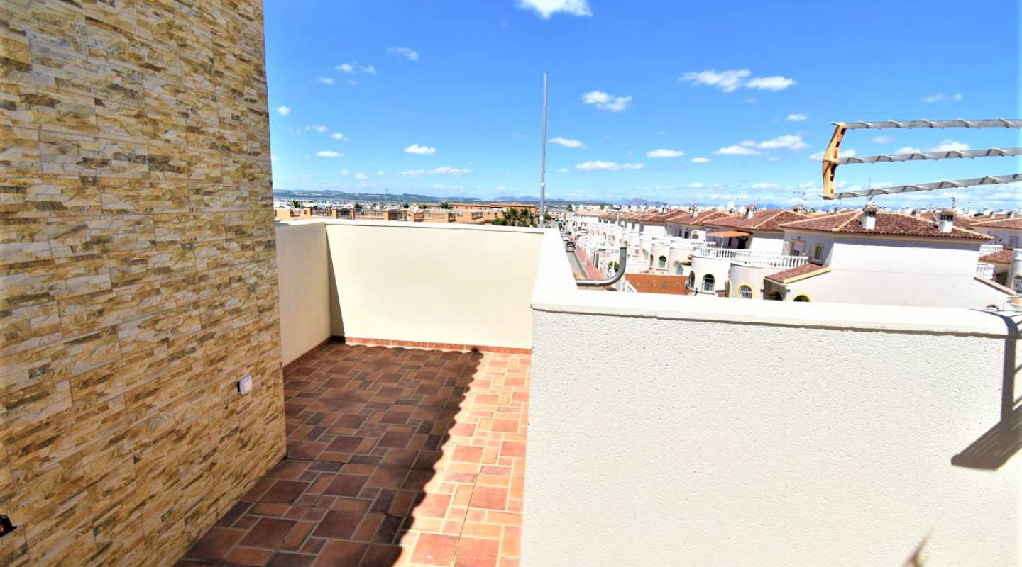 Resale - Semi Detached House - Torrevieja - Aguas Nuevas