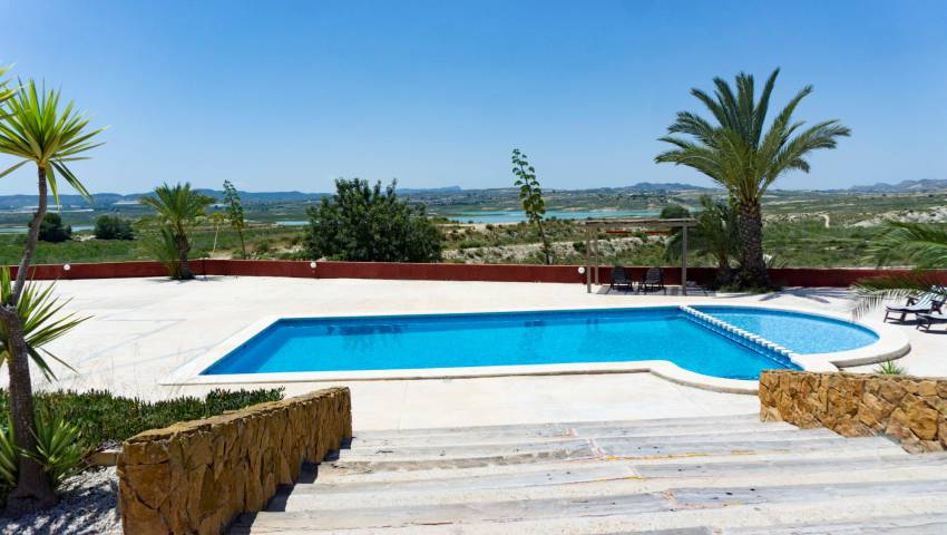 Ref:47068 Villa For Sale in Torremendo