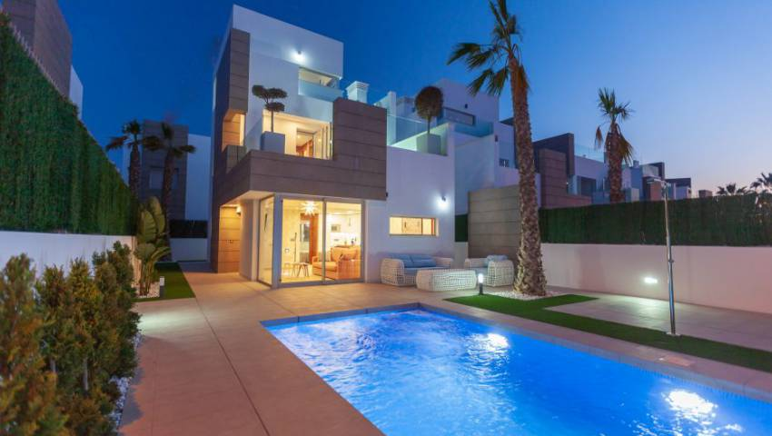 Ref:52701 Villa For Sale in Guardamar del Segura